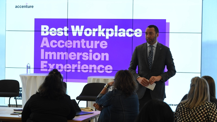 Marty Rodgers presenting at GPTW immersion event
