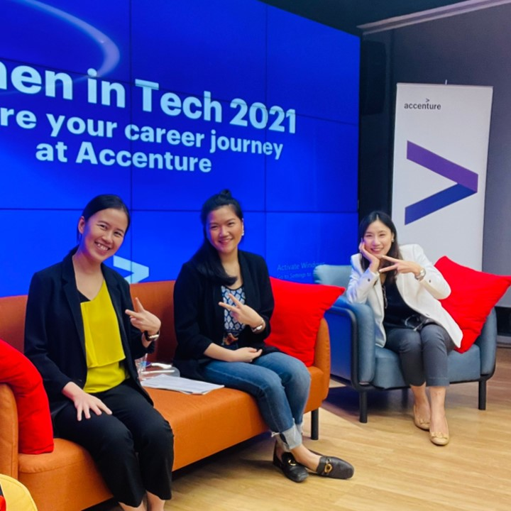 She rises: Empowering women to thrive in tech
